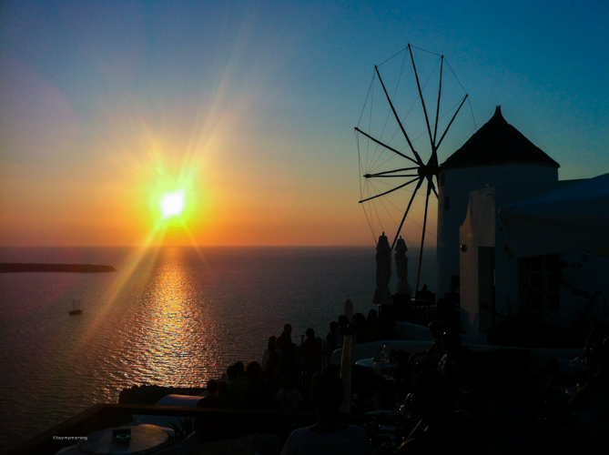 A sunset in Oia that our camera just doesn't do any justice | Buy My Morning